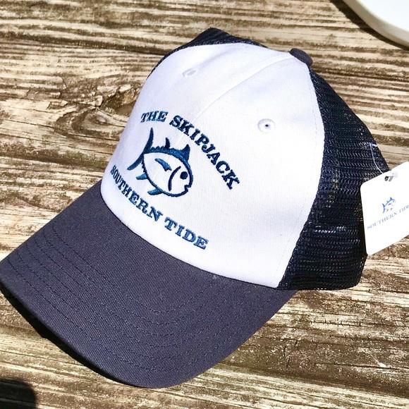 9322e3eb0eb NWT - SOUTHERN TIDE Trucker Hat